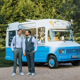 Dessert zur Hochzeitsfeier Eis Catering Eiswagen Mein Eis Oldtimer Mobil Speiseeis Köln Bonn Düsseldorf