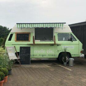 Historischer Eiswagen VW Bulli für Sommerfest Catering